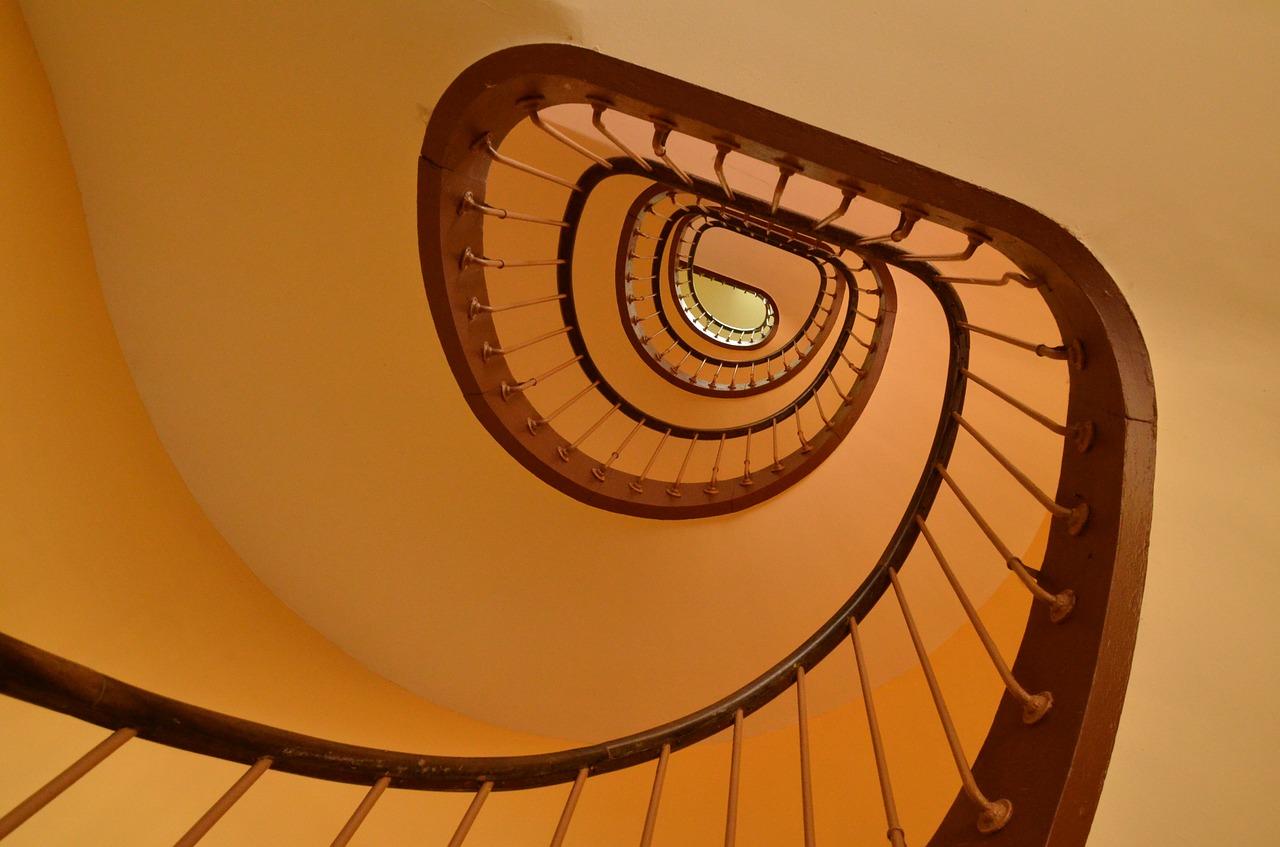 Maling af trappeopgang - Se hvor billigt det kan gøres!
