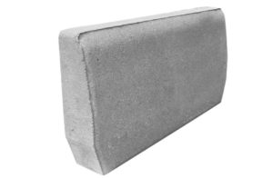 grå kantsten